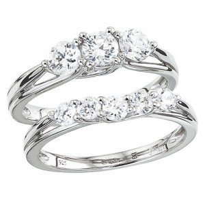 14K White Gold Qpid 1.5 Ct Diamond Three Stone Bridal Ring Set