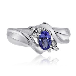14K White Gold 6x4 Oval Tanzanite and Diamond Fashion Ring