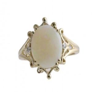 14k Yellow Gold Opal Fashion Ring