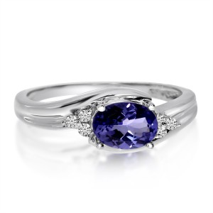 14K White Gold Size Set Oval Tanzanite and Diamond Fashion Ring