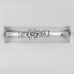 14K White Gold Light Weight Three Stone Diamond Ring